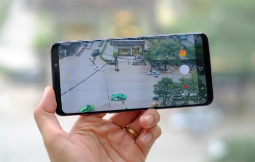 Camera chuyển đổi khẩu độ trên Galaxy S9+ cho phép người dùng chụp ảnh mượt mà trong nhiều điều kiện ánh sáng. Công nghệ này sẽ tiếp tục thể hiện trên chiếc Note9.