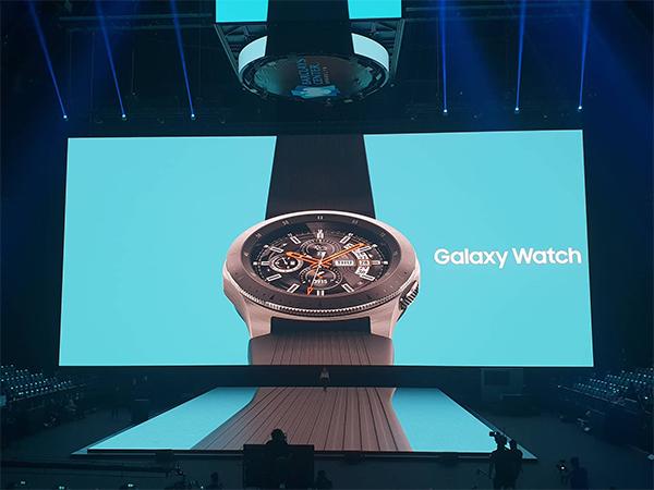 Đồng hồ thông minh của Samsung có thương hiệu hoàn toàn mới là Galaxy Watch.