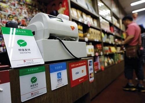 Các cửa hàng Trung Quốc hỗ trợ đặt hàng, thanh toán qua di động từ sáng sớm đến đêm khuya.