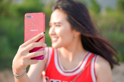 F9 là mẫu smartphone tầm trung mới nhất của Oppo, kế thừa các tính năng của Oppo F7 trong ngoại hình bóng bẩy, sang trọng. Thông tin chi tiết tại đây. https://Oppomobile.vn/Oppo-f9