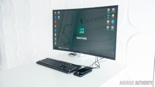 Samsung Dex Pad biến điện thoại thông minh thành một PC di động.