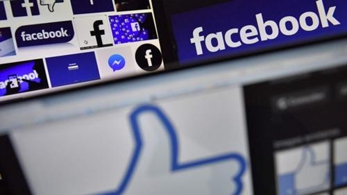 Facebook tiếp tục bị chỉ trích vì không quản lý được thông tin người dùng. Ảnh: AFP