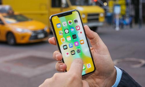 Mức giá cao đặc biệt của iPhone X khiến nhiều người khó dự đoán được giá sản phẩm năm nay của Apple.