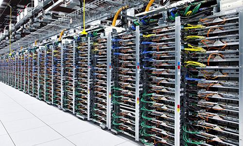 Bên trong một trung tâm dữ liệu của Google. Ảnh: Google.