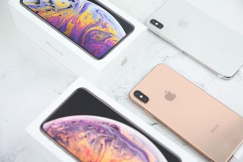 iPhone Xs và Xs Max về Việt Nam với nhiều phiên bản, xuất xứ, do đó người mua cần tìm hiểu kỹ thông tin, nhằm tránh tình trạng.