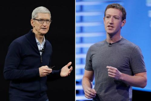 Tim Cook và Mark Zuckerberg không ngừng chỉ trích nhau trong hai năm qua.