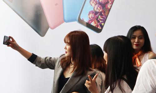 Smartphone Xiaomi lập kỷ lục chụp selfie nhanh tại Việt Nam