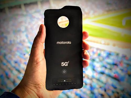 Module Moto Mod hỗ trợ 5G cho Moto Z3của Motorola.