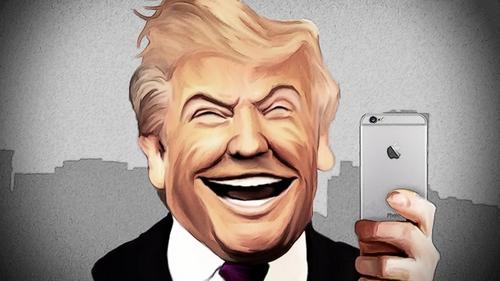 Tổng thống Trump đangsử dụng ba chiếc iPhone.