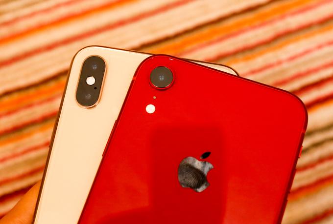 iPhone Xr và iPhone Xs Max đọ dáng