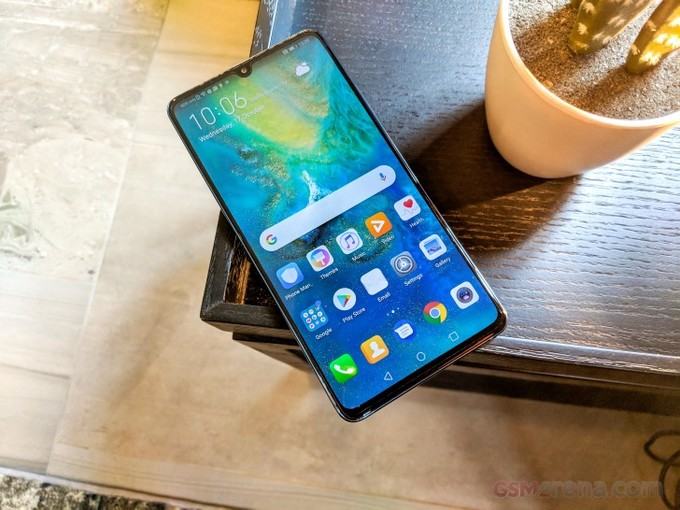 8 smartphone nổi bật sẽ bán trong tháng 11
