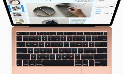 MacBook Air và Pro 2018 sẽ tự ngắt kết nối vật lý của micro khi đóng nắp máy.