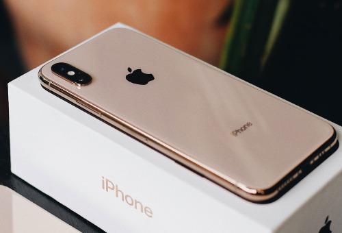 Giá iPhone ngày càng tăng.