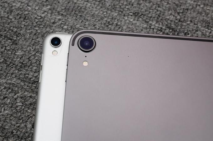 Bộ đôi iPad Pro 2017 và 2018 đọ dáng