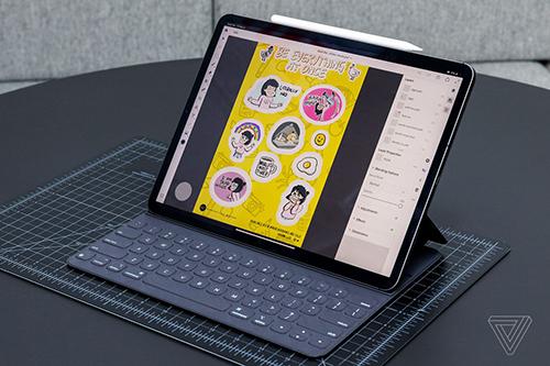 Bàn phím và bút cho iPad Pro phải mua thêm với giá 129 USD và 179 USD.