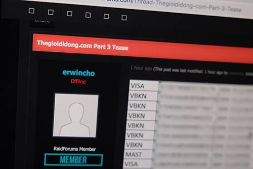 Thông tin thẻ tín dụng bị lộ trên RaidForums.