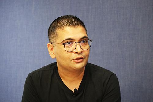 Ông Vineet Tanwar.