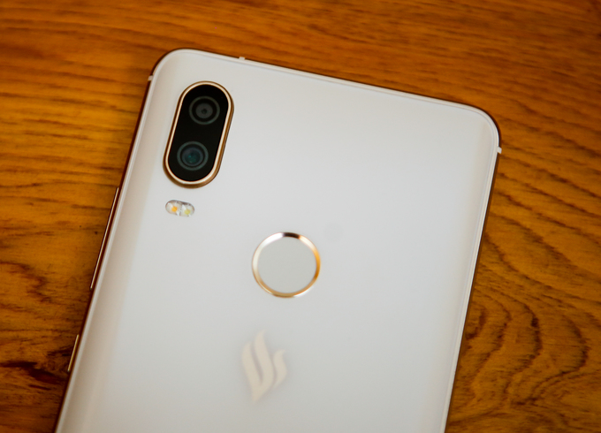 Vsmart Active 1 - smartphone 6 inch cấu hình tốt