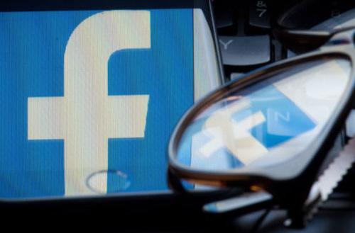 Facebook liên tiếp vướngbê bối thông tin người dùng.