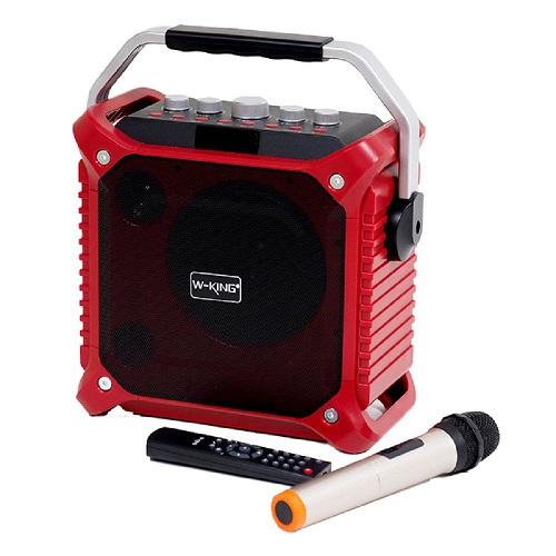 Wking K3 (4,01 triệu đồng) đi kèm mic không dây, giúp người dùng có thể thỏa sức hát karaoke trong thời gian rảnh. Công suất 60W của sản phẩm cũng giúp âm thanh. Sản phẩm tích hợp viên pin dung lượng 6.000mAh, có thể hoạt động mà không cần kết nối dây cắm.