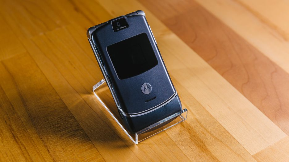 Motorola RAZR màn hình gập sắp được 'hồi sinh'