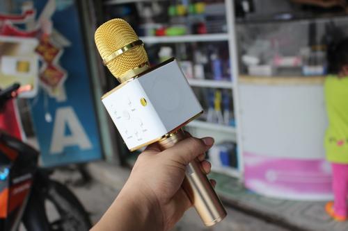 Nên mua micro hát karaoke nào tầm một triệu đồng cho dịp Tết