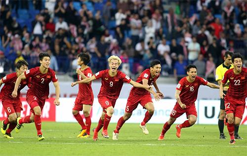 Việt Nam là một trong hai đội đầu tiên trong lịch sử đượctrải nghiệm VAR ở Asian Cup.