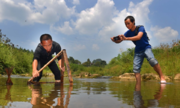 Nông dân Trung Quốc thoát nghèo nhờ ứng dụng video ngắn