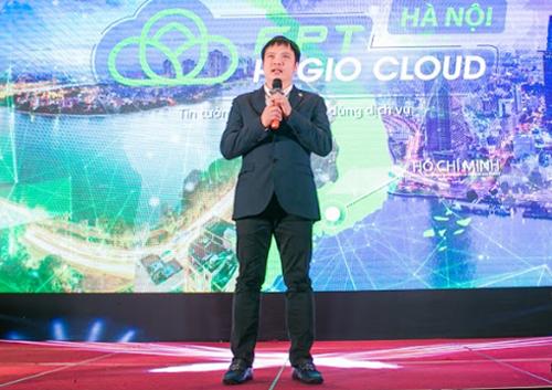 Ông Nguyễn Văn Khoa, Tổng Giám đốc FPT, giới thiệu dịch vụ HI GIO Cloud tại Hà Nội ngày 9/4.
