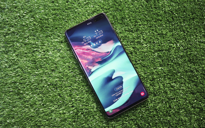 Galaxy S10 5G giá gần 27 triệu đồng tại Việt Nam