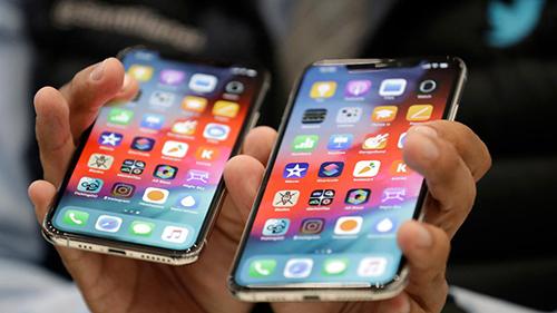 Giá iPhone vẫn là rào cản lớn tại Trung Quốc. Ảnh: FOX.