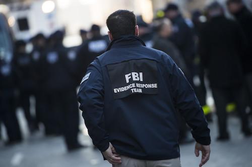 Hacker tuyên bố có được thông tin của nhiều cảnh sát và đặc vụ Mỹ, thông qua việc khai thác lỗ hổng bảo mật. Ảnh: TechCrunch
