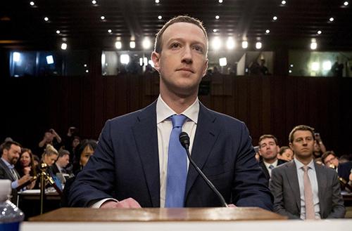 Mark Zuckerberg trong phiên điều trần của chính phủ Mỹ năm ngoái. Ảnh: 9to5mac.