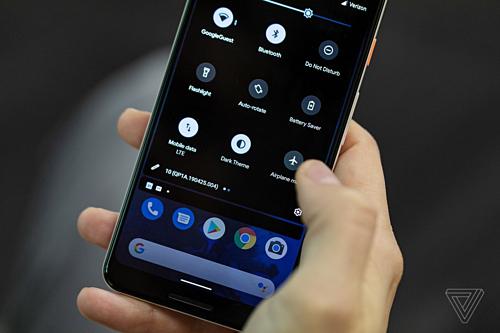 Hệ điều hành Android 10 Q sẽ có giao diện Dark Theme.