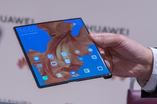 Huawei hoãn ra mắt Mate X đến tháng 9 - ảnh 1