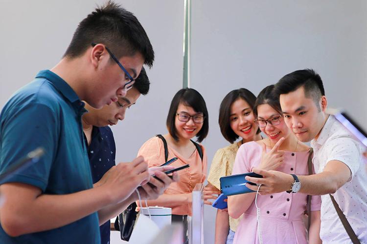 Giới công nghệ Hà Nội trải nghiệm thực tế cặp smartphone cao cấp Oppo Reno Series - 3