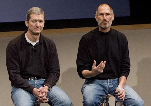 Tim Cook và Steve Jobs. Ảnh: macrumors