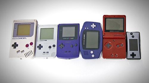 GameBoy - thiết bị chơi game phổ biến của giới trẻ cách đây khoảng 20 - 30 năm. Ảnh: Unbox Therapy.