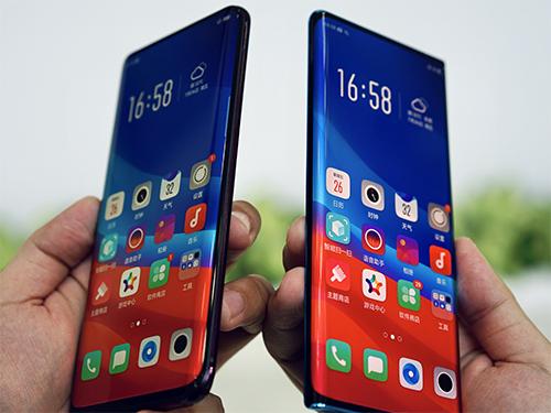 Smartphone màn hình thác nước (bên phải) so sáng với Find X.