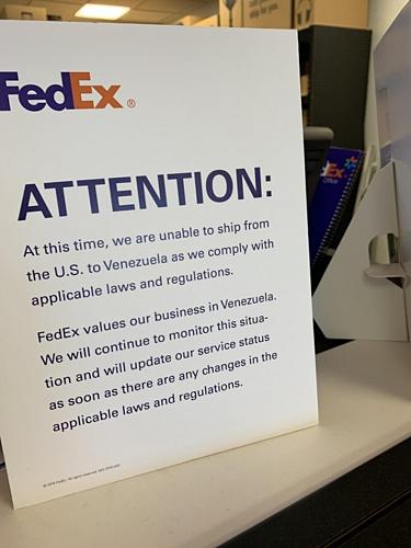 Thông báo của Fedex về việc không chuyển hàng từ Mỹ tới Venezuela theo lệnh cấm của Mỹ. Ảnh: Xda-developers.