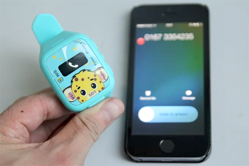 Ít tính năng sử dụng trực tiếp trên đồng hồ sẽ không ảnh hưởng đến sự tập trung của trẻ với hoạt động thường ngày.