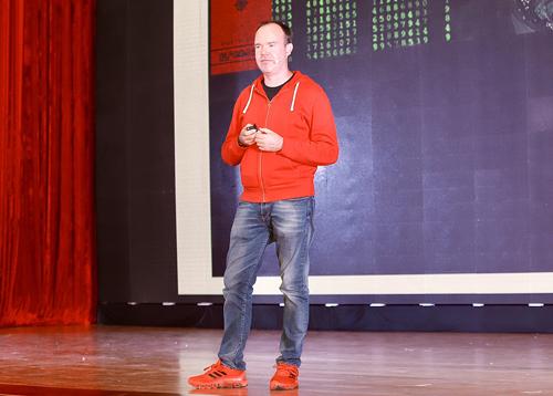Ông Peter Vesterbacka tại Ngày hội Trí tuệ nhân tạo Việt Nam (AI4VN) ở Hà Nội.