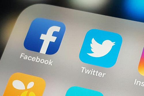 Facebook và Twitter đã có động thái mạnh đối với các tài khoản Trung Quốc đăng thông tin sai lệch về biểu tình chống dự luật dẫn độ ở Hong Kong