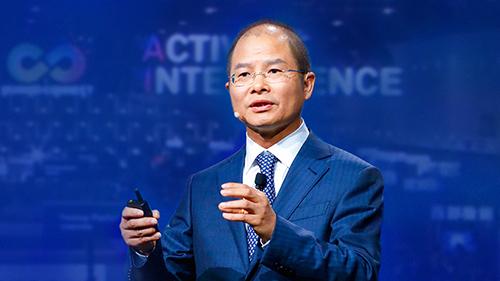 Chu tich Huawei: 'Noi long cam van cua My vo nghia'
