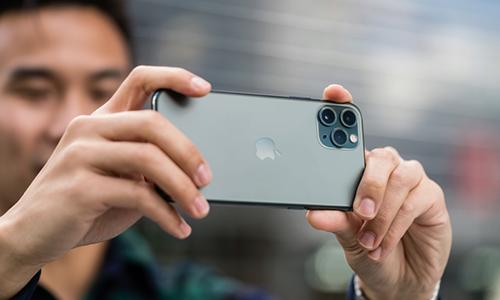 iPhone 11 Pro được cho là smartphone chụp ảnh đẹp nhất.
