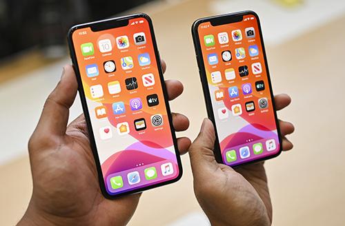 Màn hình Super Retina XDR lần đầu được Apple đưa lên iPhone.