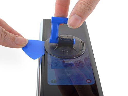 Chi phí thay thế cho màn hình Galaxy Fold bằng tiền mua smartphone đời mới.