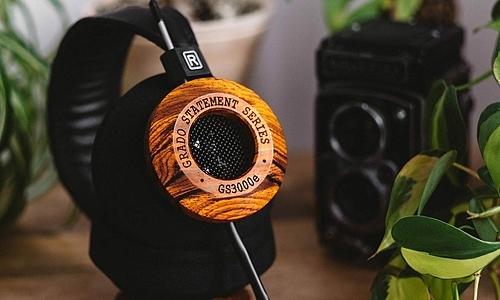 Tai nghe Grado GS3000e có vỏ bằng gỗ Cocobolo.