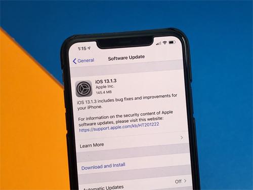 Apple đã phải tung ra 3 bản cập nhật chỉ trong một tuần để khắc phục sự cố trên iOS 13. Ảnh: Gotta be Mobile.