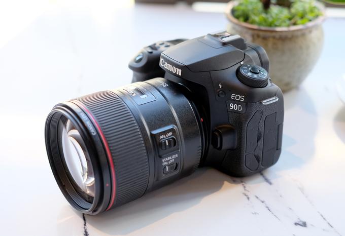 Canon EOS 90D giá 36 triệu đồng